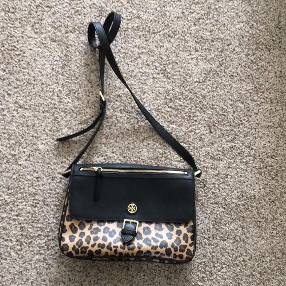 1cd1ff33978 Tory Burch Leopard crossbody kerrington- Final  .  M 5aaad56985e6055abd2f3477. Other Bags you may like. Brand new ...